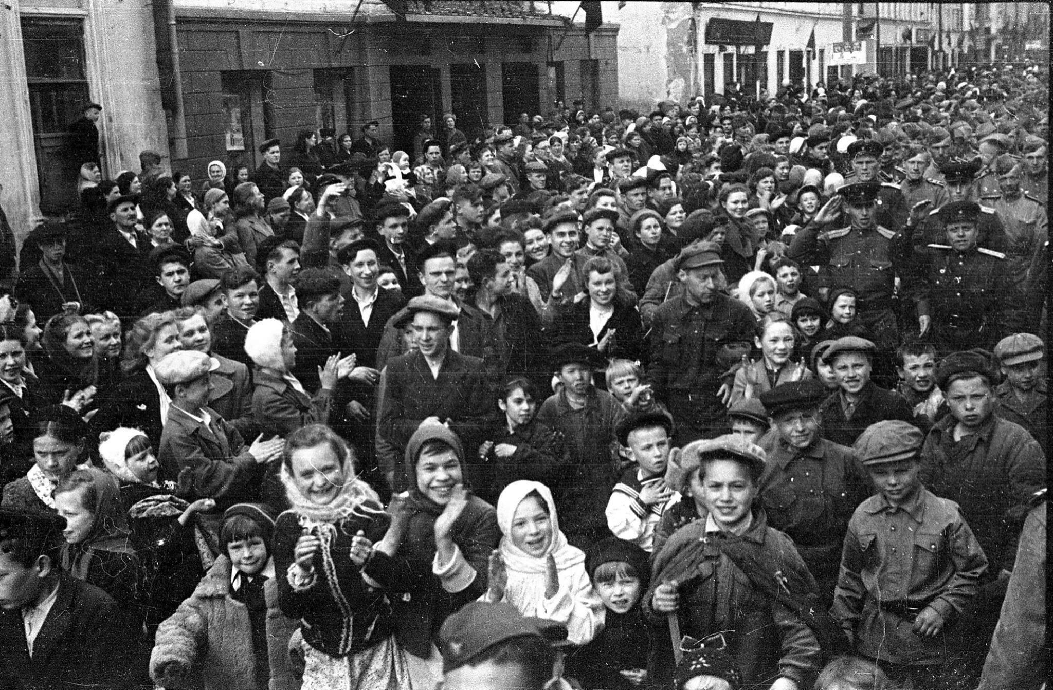 Улица Баумана 9 мая 1945 года