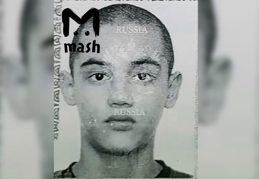 По версии Mash, на полицейского напал 19-летний студент.