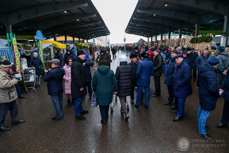 Кстати, в репортаже с сельскохозяйственной ярмарки пресс-служба президента о встрече с Антоном Кайновым не говорит.