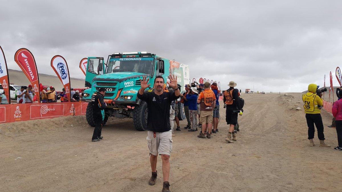 Победитель седьмого этапа Жерар де Рой на финише. Фото: пресс-служба команды «КАМАЗ-мастер»
