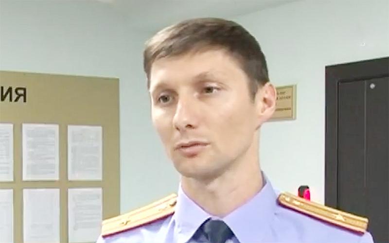 Алексей Иванов отрицает свою вину, но признает, что задержан был при передаче денег.