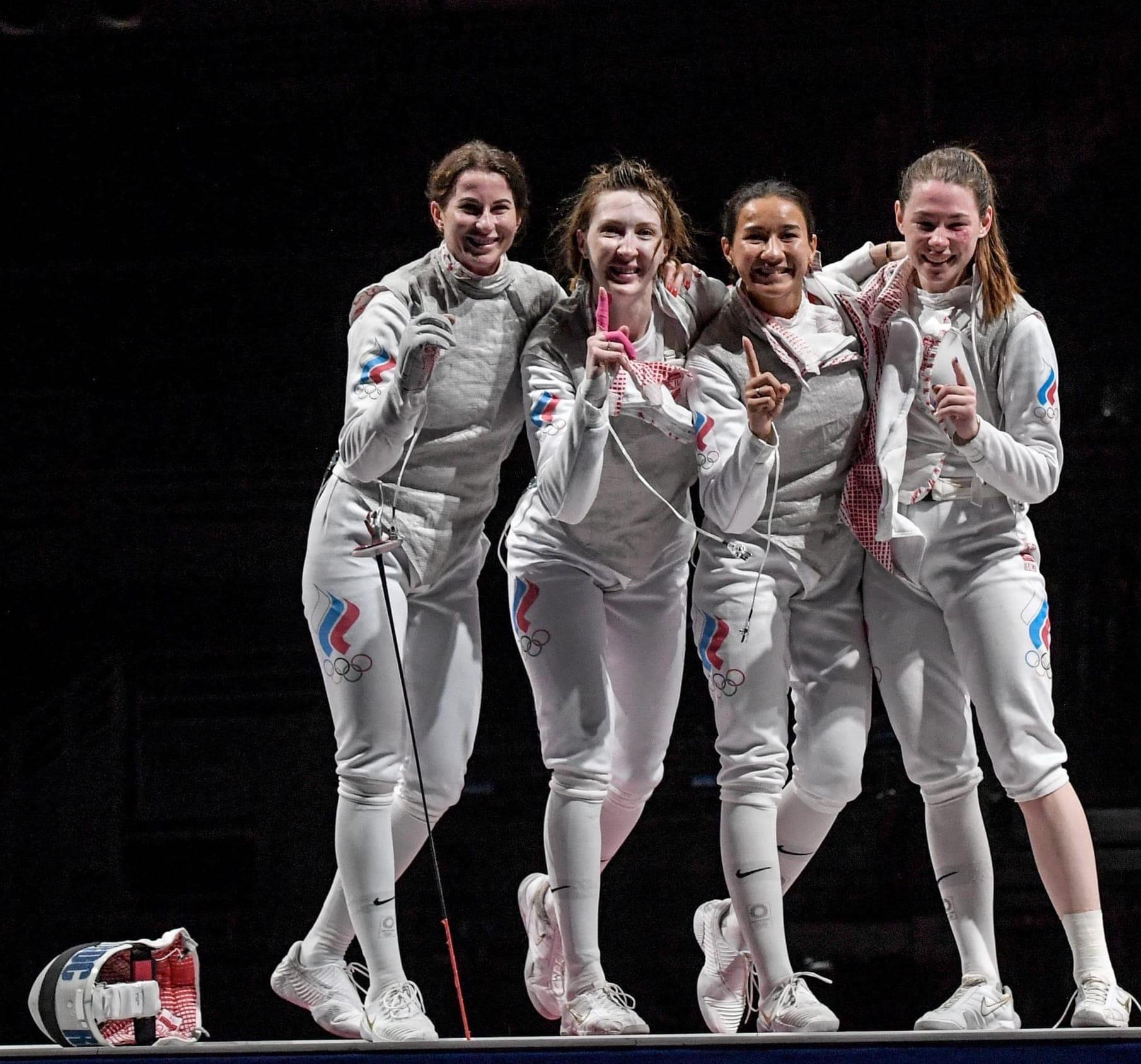 А в заключительных боях Коробейникова и Дериглазова установили окончательный счет – 45:34 в пользу нашей команды, завоевавшей олимпийское первенство в этой дисциплине в шестой раз.
