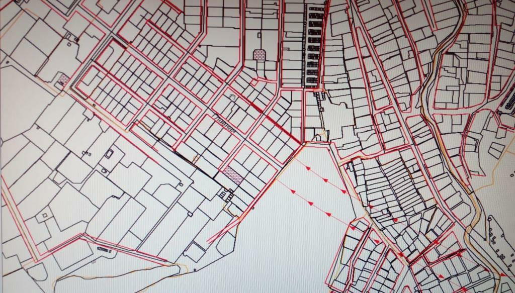 «Красными стрелочками отмечена трасса, находящаяся на согласовании. Следующим этапом идут Дербышки и далее», - говорят жители поселка, публикую скрины генплана.