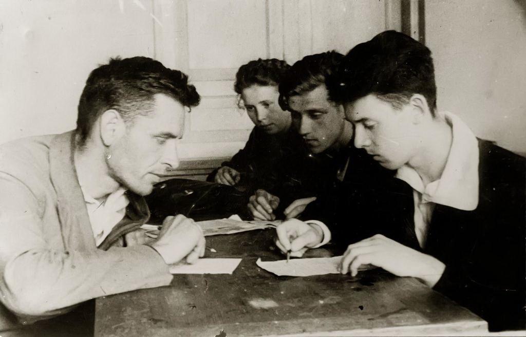 Сдача экзаменов в КАИ в годы Великой Отечественной войны.1940-е