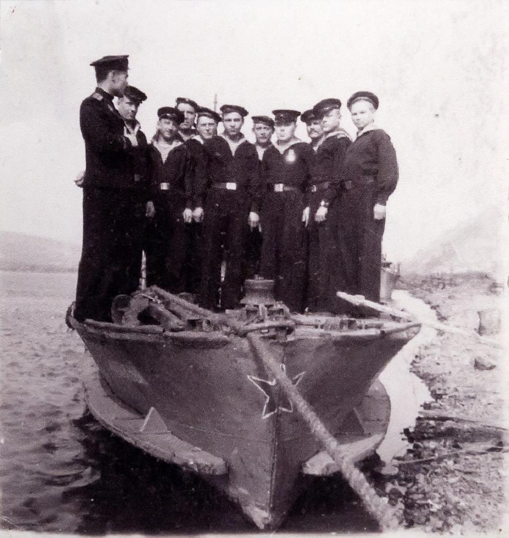 Экипаж бронекатера «Калюжный»