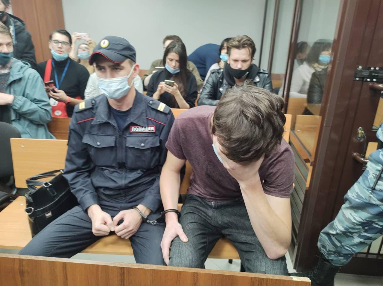 Руслан Нургалиев на суде заявил, что не знал, откуда выносит сейф. И тем более не предполагал, что грабит Следственный комитет.