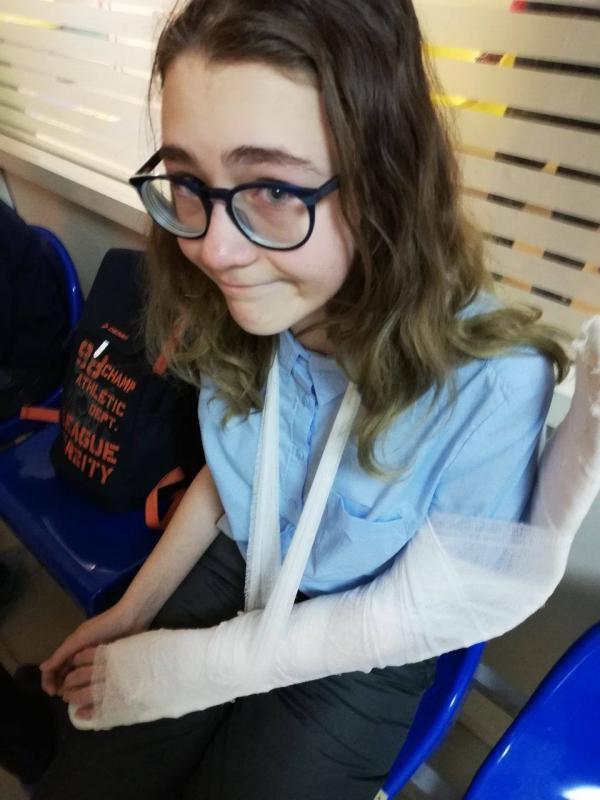 Фото девочки после оказания врачебной помощи ранее публиковала мама.