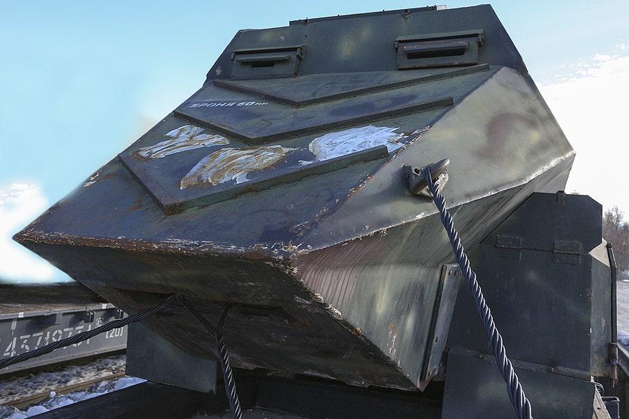 Бронеавтомобиль YPG Eagle Head также обшит бронированными листами, на которые боевики нанесли несколько рисунков. Один из них — голова орла. Предназначался специально для штурма.