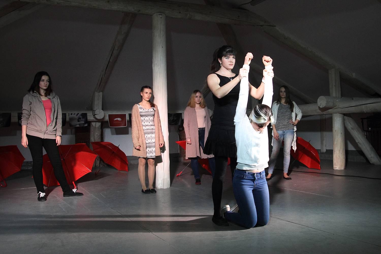 Спектакль «Просто мы», созданный из документальных историй секс-работниц в жанре вербатим