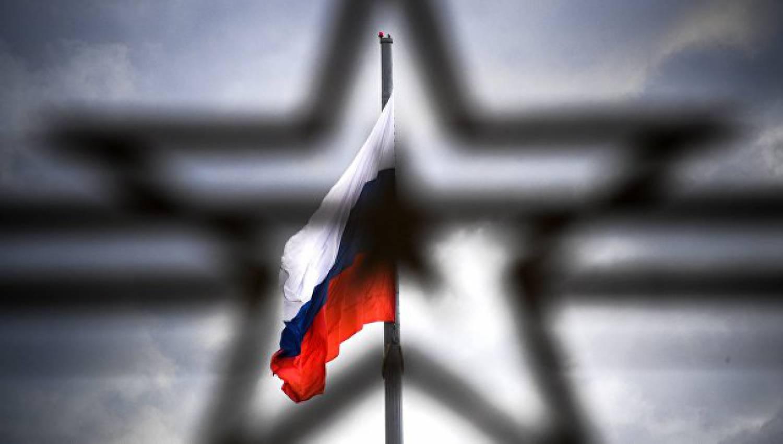 Большинство граждан России доверяют армии, РПЦ иСМИ