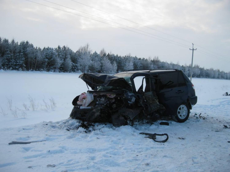 ВТатарстане в итоге столкновения 3-х авто погибли два человека