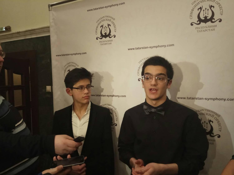 Джордж Харлионо(слева) и Сандро Небиеридзе(справа)