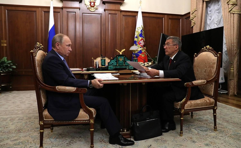 Владимир Путин в Казани сигналы муфтиям и символ власти