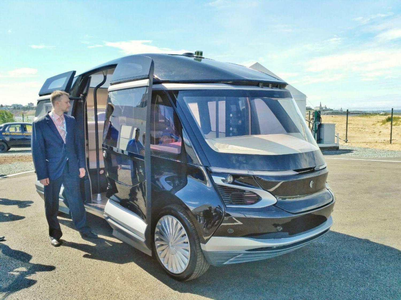 ВКазани «КАМАЗ» презентовал электробус— 1-ый  беспилотный публичный  транспорт